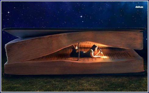 girl-in-giant-book-wallpaper-border
