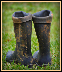 muddy-rain-boots-jacomstock-on-flickr-border